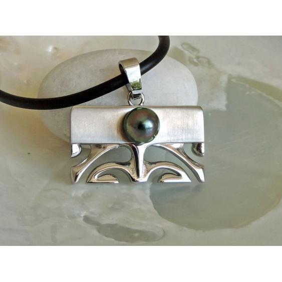Waimea - Pendentif en Acier Tiki et Perle de Tahiti